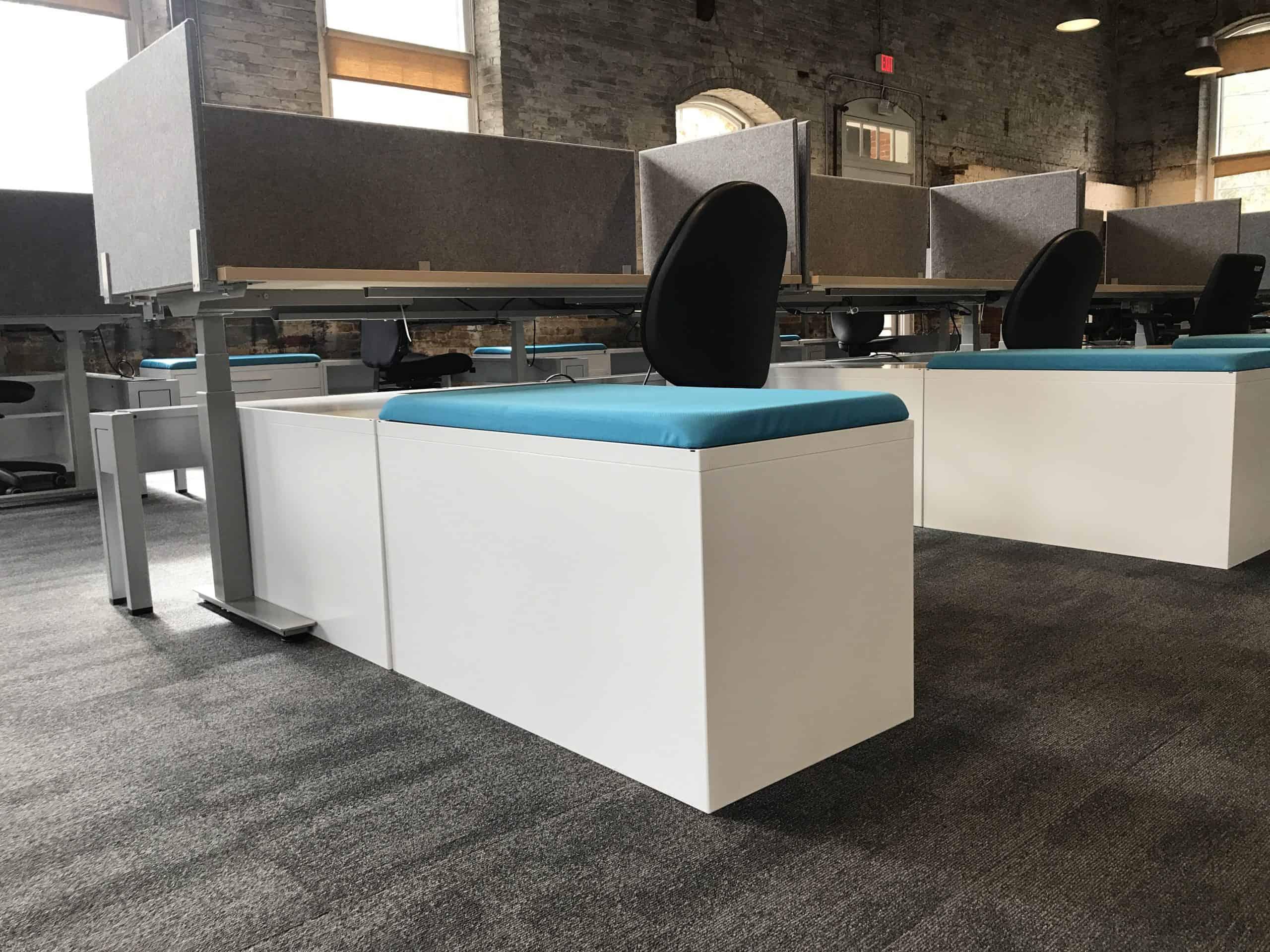 Metrum Desks